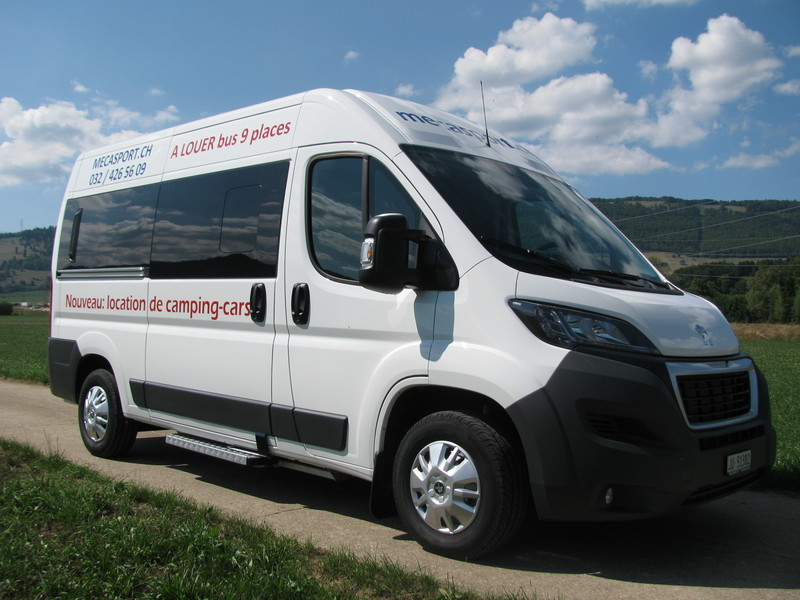 Nouveau bus transport pour 9 personnes garage for Tarif location garage pour camping car